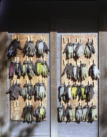 tool-barn-gloves1.jpg